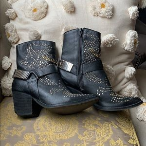 Limited edition Jeffrey Campbell studded booties